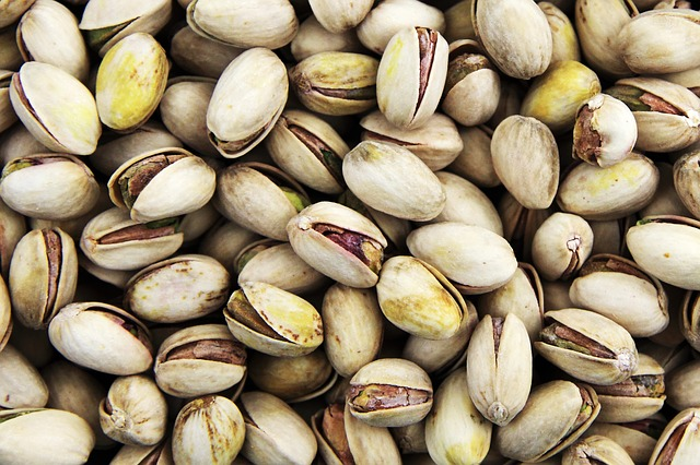 Healthy Food for Kids - Nuts and Seeds