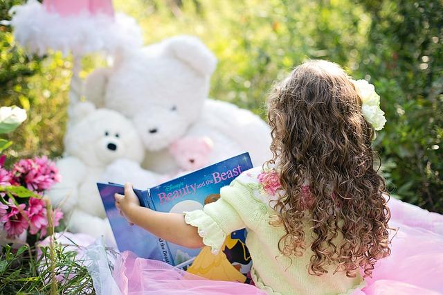Outdoor Activities With Kids - Read Under the Tree