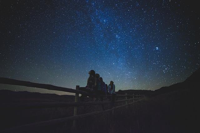 Outdoor Activities With Kids - Stargazing