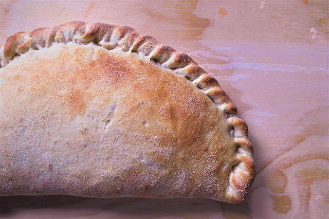 Low Carb and Gluten-Free Ham and Cheese Calzones - Delicious Low Carb Keto Recipes That Kids Will Love